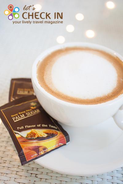 กาเฟสถานดีไลท์ - กาแฟเอสเปรสโซ่ผสมน้ำตาลโตนดแบบเพชรบุรี
