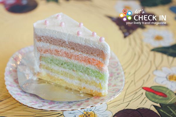 Pastel White Chocolate cake นุ่มอร่อย