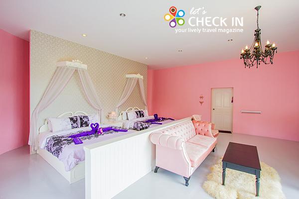 Princess เป็นห้อง Suite โทนสีชมพูหวานพร้อมเตียงคิงไซส์ 2 เตียง
