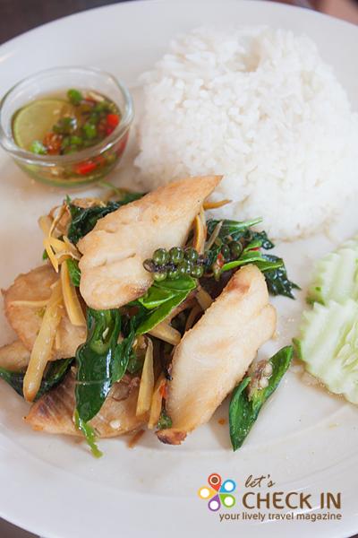 ข้าวผัดฉ่าปลา