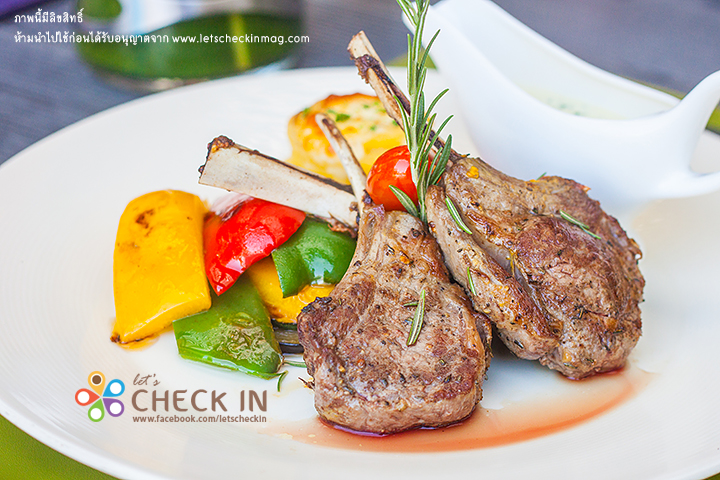 Grilled Australian Rack of Lamb with Garlic Cream Sauce