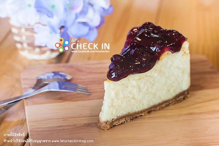 Blueberry Cheesecake เนื้อแน่นเต็มรสชีส