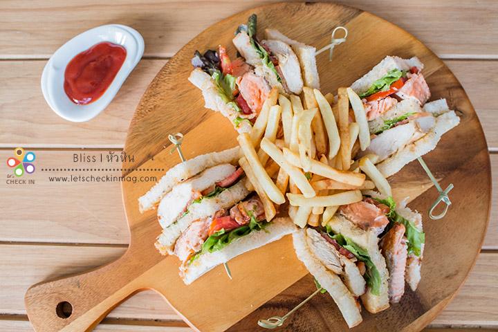 Salmon & Chicken Teriyaki Club แซนวิชแซลมอนและไก่เทอริยากิ