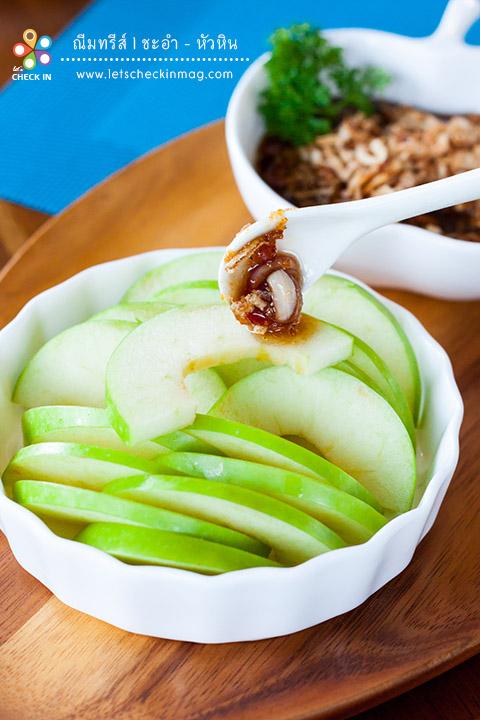 แอปเปิ้ลเขียว น้ำปลาหวาน ความเปรี้ยวของแอปเปิ้ลเขียว เข้ากันได้ดีกับน้ำปลาหวาน ซึ่งน้ำปลาหวานของที่นี่เครื่องเคราจัดเต็มมากๆ