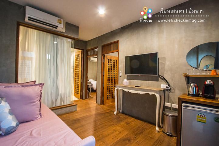 Grand Suite พักได้ถึงสี่คน มีห้องนั่งเล่นและห้องนอนสองห้อง มาเป็นกลุ่ม เป็นครอบครัวล่ะใช่เลย
