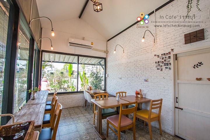 in cafe 004