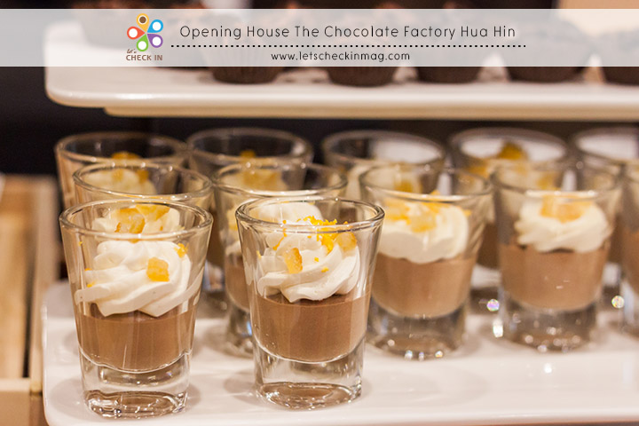 openingChocolate025