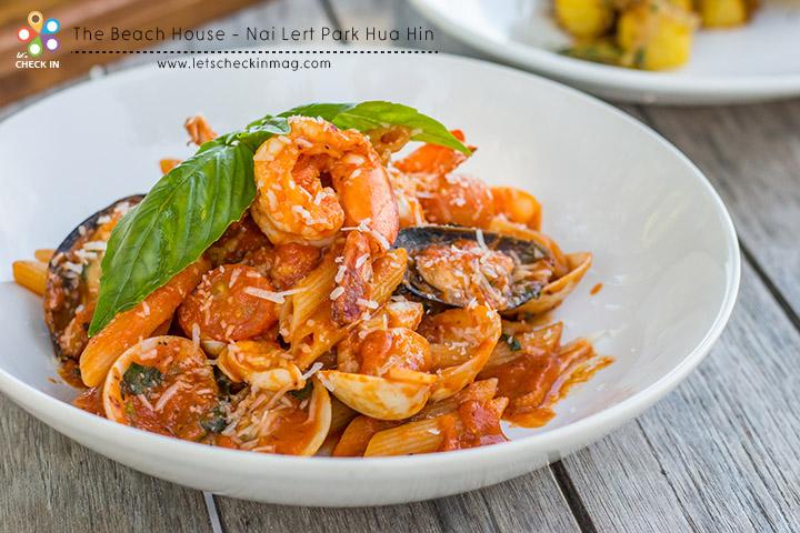 Seafood Penne Arrabbiata พาสต้าซีฟู้ดกับซอสรสเผ็ดจัดจ้าน