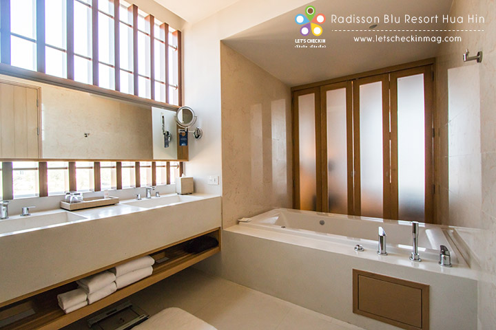 One Bedroom Seaview Suite @ Radisson Blu Resort Hua Hin