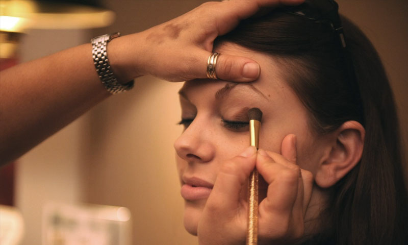 Tips to avoid melting makeup